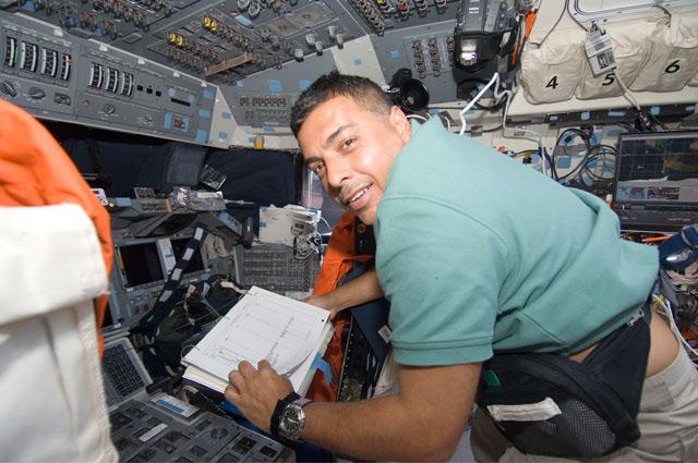 astronautas hispanos - photo #2